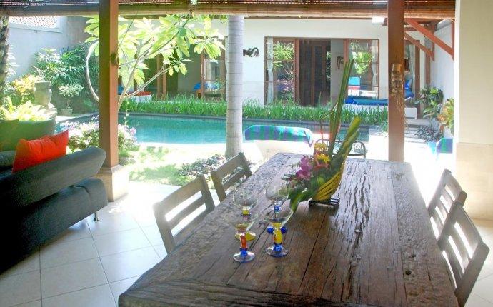 Coconut Villa Sanur, Indonesia - Booking.com