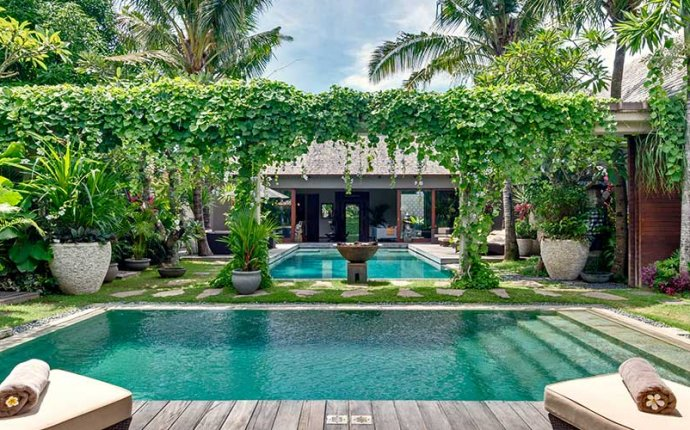 Villa Eshara – Seminyak villas with 2 to 8 bedrooms, Bali