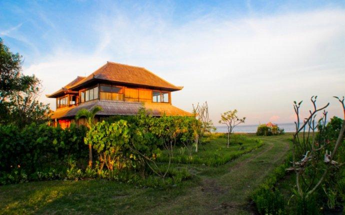 Villa For Sale in Bali Beachfront
