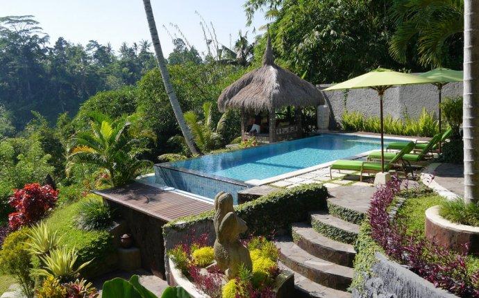Villa Kupu-Kupu, Bali - Upto 25% OFF on Bali Hotels @Makemytrip