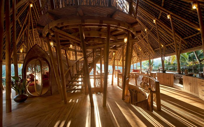 Woman Quits Job to Build Sustainable Bamboo Homes In Bali | Bored