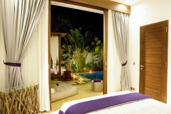 anemalous-villas-spa-bed-and-view